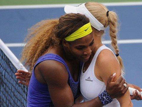 VENINNER: Serena Williams og Caroline Wozniacki er gode venninner.
