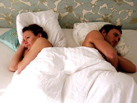 I SENGA: Mange kvinner foretrekker søvn fremfor sengekos.