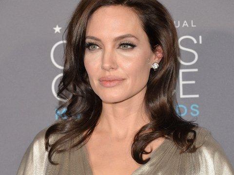 OPTIMISTISK: Angelina Jolie har tro på at ordtaket «det som ikke dreper deg, gjør deg sterkere» har noe for seg.