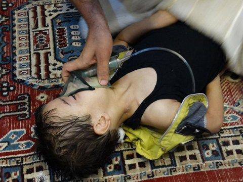 SARIN: I august 2013 ble sivilbefolkning i Damaskus utsatt for nervegiften sarin. Over 1000 døde, mange av dem barn. Nå har «60 minutes» sendt en reportasje og vist levende bilder av det som skjedde.