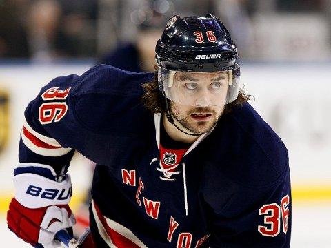 SÅRT SAVNET: New York Rangers var grunnseriens beste lag i NHL, men er nå på vei ut av Stanley Cup i andre runde. Savnet av Mats Zuccarello er merkbart.