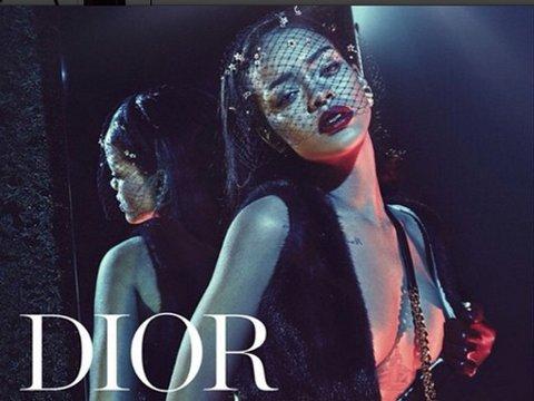 RIHANNA FOR DIOR: Artisten er blitt historisk med disse reklamebildene for luksusmerket.