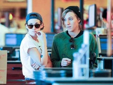 Kristen Stewart har blitt sammen med sin personlige assistent, Alicia Cargile.