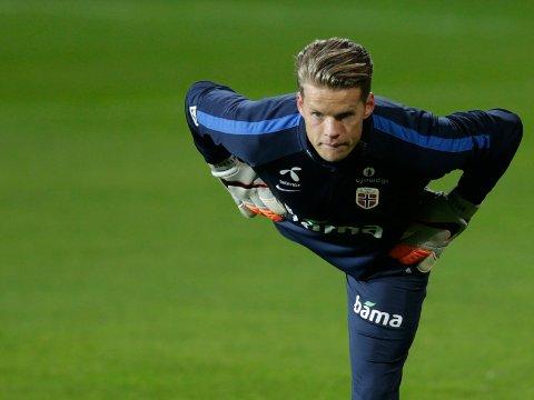 HAR SJEFENS TILLIT: Keeper Ørjan Håskjold Nyland og landslaget forbereder seg til EM-kampene mot Ungarn. Her fra trening på Årasen stadion denne uka.