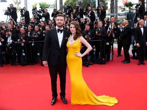GLAMOURAMA: Justin Timberlake og Anna Kendrick poserte sammen på den røde løperen i Cannes, hvor stjernen kom pyntet til tenna.