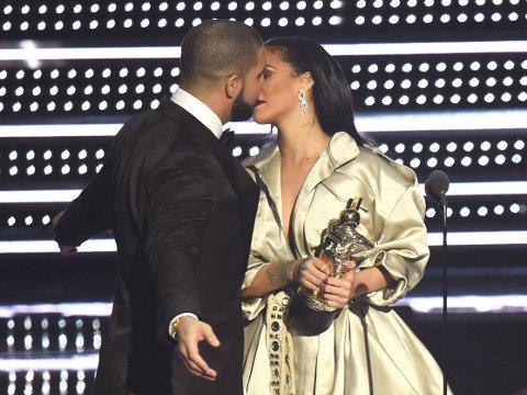 DRAKE OG RIHANNA: MTV-festens søteste par.