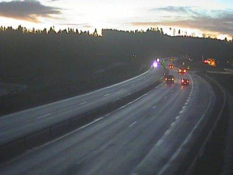 Bilde fra webkamera på E6 ved Andelva ved Råholt i Eidsvoll kommune torsdag morgen.