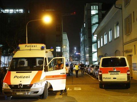 SPERRET AV. Tre personer ble funnet skutt i nærheten av en moske i Zürich mandag.
