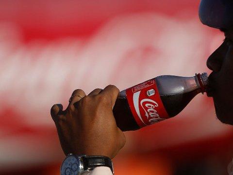HELLAS: Anarkister hevder å ha forgiftet Coca-Cola i Hellas.