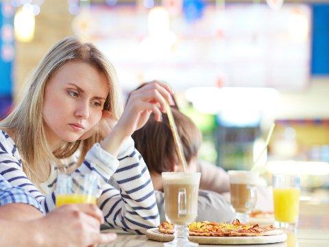 UNGE MENNESKER mellom 15 og 29 år er mye mindre fornøyd med eget kosthold enn eldre.