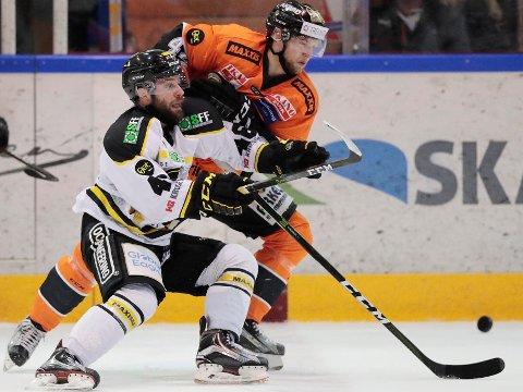 GJENGANGER: Dan Kissel scoret for 11. gang i NM-sluttspillet og gjorde at Stavanger Oilers igjen leder finaleserien mot Frisk Asker og Henrik Ødegaard. Bildet er fra en tidligere kamp.