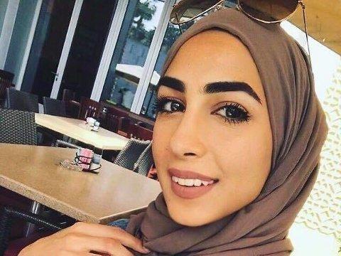 BESKYLDES FOR UÆRLIGE MOTIVER: Svenske Aye Alhassani beskyldes for at hun egentlig ikke ville ha jobben i SAS, men at hun bare ville ha fokus på kvinners rett til å bære hijab.