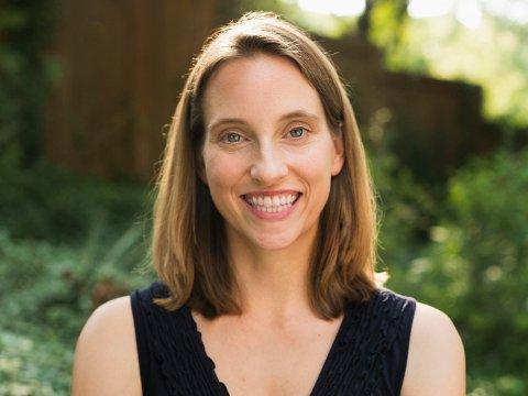 ANVENDT FORSKNING: Kelly Holmes så til forskningen og lagde sitt eget triks for å telle til 10 overfor ungene. Det har gitt svært gode resultater.