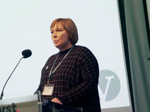 KRITISK TIL LISTHAUG: I vår sto Carina Borch Abrahamsen på talerstolen under landsmøtet til Venstre og ba partiet om å ta et oppgjør med samarbeidet med Frp de siste fire årene. I stedet har partiet gått i stikk motsatt retning. Nå vurderer hun å melde seg ut.