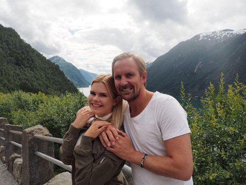 Julianne og Ulrik på ferie på Måløy.