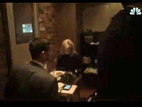 Aktivistgruppen Metro DC Democratic Socialists of America trappet opp på en meksikansk restaurant i Washington D.C. og avbrøt USAs minister for Departementet for innenlands sikkerhet, Kristjen Nielsen (bildet), midt i middagen tirsdag kveld. Hele seansen ble filmet.