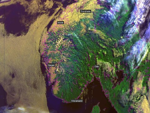Slik så værkartet for Norge ut tirsdag morgen. Høytrykket fortsetter å dominere Østafjells, mens det er noe mer skyet på Vestlandet og i Trøndelag.