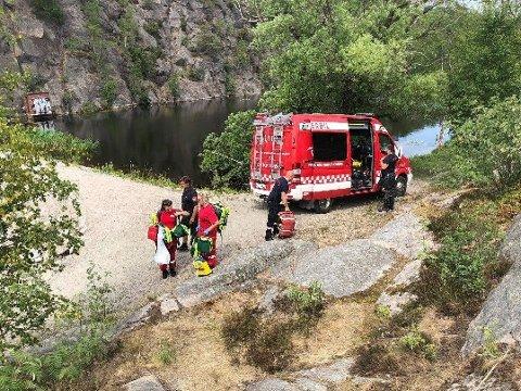 DRUKNET: Gutten ble tatt hånd om av hjelpemannskaper, men livet sto ikke til å redde.