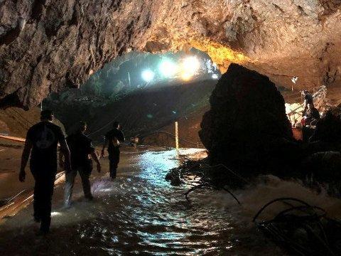 TREDJE RUNDE: Tirsdag startet tredje og etter planen siste runde med redningsaksjon i Tham Luang-grotten nord i Thailand.