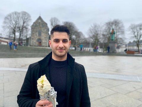 Zana Nawzad (21) har hatt stor suksess med Royal Doner i Bergen. Nå utvider han virksomheten til Stavanger, Oslo og Gøteborg.
