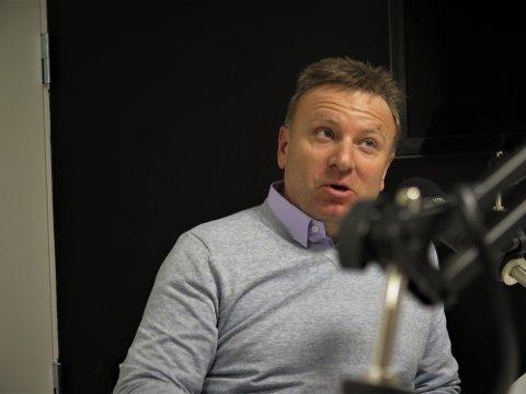 Sjefredaktør i Dagen, Vebjørn Selbekk, mener at det å nekte tusenvis av prester sex, er livsfarlig.