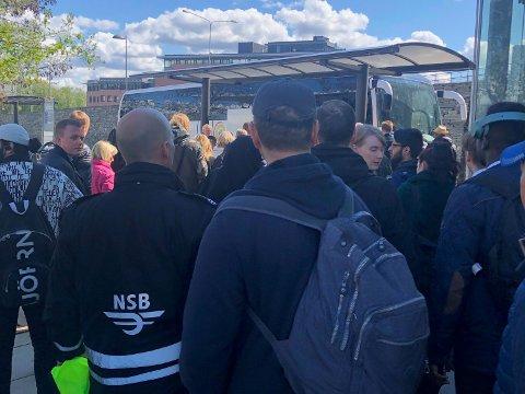 Det var klokka 12 det kom melding om at trafikken var stengt mellom Oslo S og Lysaker på grunn av signalfeil ved Skøyen.