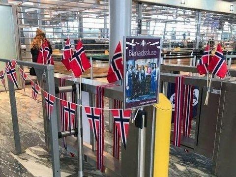 Det blir bunadssluse på Oslo lufthavn i år også.