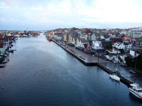 En boligselger i Haugesund, her sett fra Smedasundet, fikk en heftig ekstraregning.