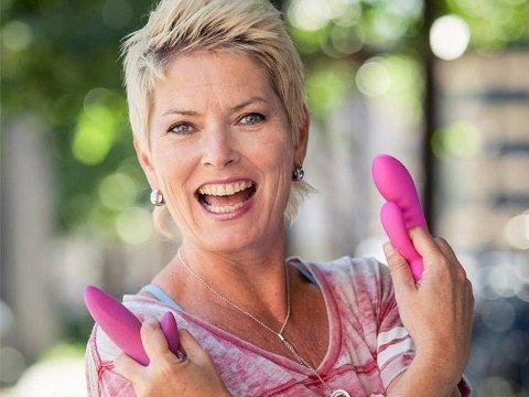 Cecilie Kjensli har testet og anmeldt sexleketøy for det norske folk i over 20 år.