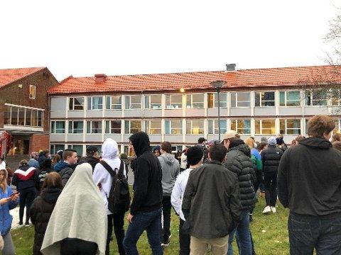Eidsberg ungdomsskole er blitt evakuert.