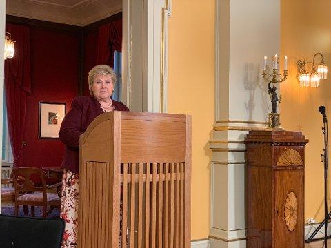 LOVER TILTAK: - Vi er nødt til å jobbe med kvaliteten i barnevernet, sa statsminister Erna Solberg (H) på oppsummerende pressekonferanse tirsdag.