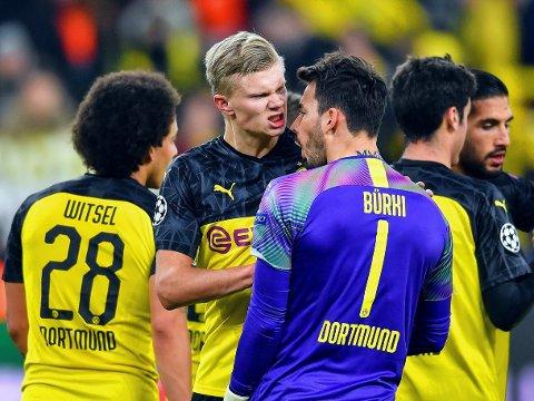 VIKTIG KVELD: Erling Braut Haaland, Dortmund -keeper Roman Bürki og resten av laget har en 2-1-ledelse å gå på fra hjemmekampen mot den franske giganten Paris Saint-Germain.