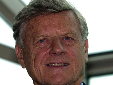 Arne Wilhelmsen har gått bort.