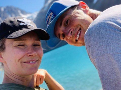 Clay Armstrong får ikke komme til Norge og hans forlovede June Mikkalsen. Hvis hun ikke hadde vært norsk statsborger, men EØS-borger, så hadde han fått innreise til Norge.