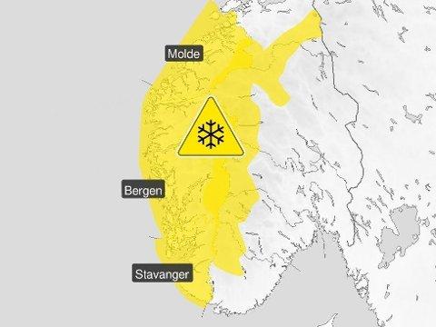 HVIT JULI: Farevarsel for snø er kanskje ikke det du forbinder med juli, men sjekk dette varselet fra meteorologene: Mandag og tirsdag kan det komme snø i fjellet over 800 meter i Sør-Norge.