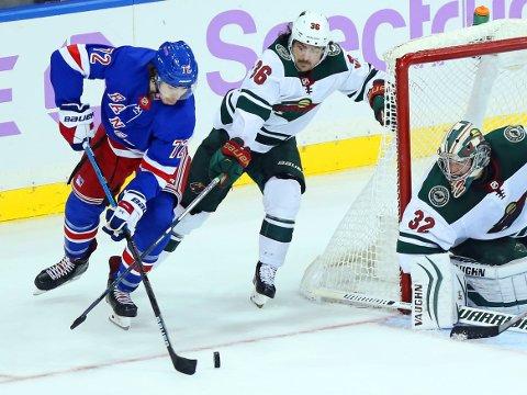 MØTER HINDRINGER: Minnesota Wild og Mats Zuccarello skal konkurrere om en plass i Stanley Cup-sluttspillet når NHL starter igjen. Det skal også gamleklubben New York Rangers og Filip Chytil.