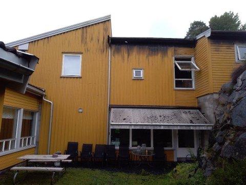 OMSORGSBOLIGER: Politiet bekrefter at alle beboere ved en institusjon på Fjellom i Moss er evakuert etter full fyr i et bygg med flere omsorgsboliger.