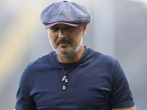 KORONASMITTET: Det er ikke mange ukene siden Serie A-legenden Sinisa Mihajlovic ble friskmeldt og var tilbake på sidelinja som trener for Bologna. Her fra bortekampen mot Atalanta 21. juli.