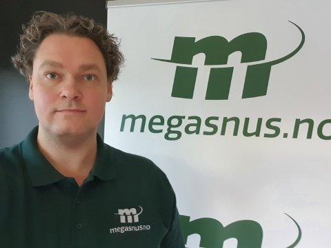 MEGASNUS: Erik Strand er daglig leder i Megasnus.no. De vil utfordre de svenske gigantene på markedet.