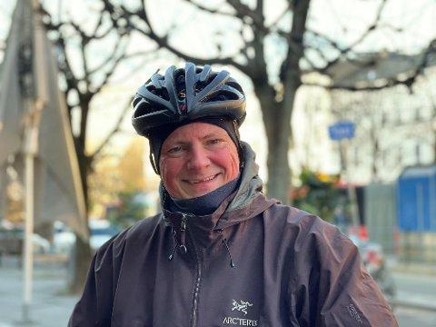Fungerende leder av Oslo Frp, Ketil Sovik-Olsen, sykler gjerne i Oslo, året rundt. - Men jeg betaler for piggdekkene selv!