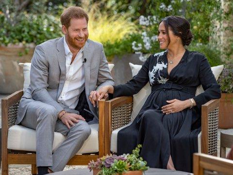 Meghan Markle og prins Harry avslører i et intervju med Oprah Winfrey at de venter en datter.