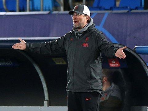 OPPGITT: Jürgen Klopp var tydelig misfornøyd med det han fikk se før pause.