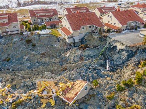 Dronebilder fra skredområdet i Ask. Foto: Stian Lysberg Solum / NTB