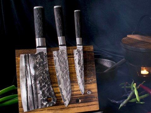 Japanske kniver stammer fra en eldgammel tradisjon, et kunstverk inspirert av samuraisverd.