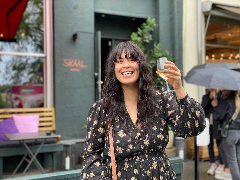 SKÅL!: Maria Mena er veldig glad for at Oslo har åpnet opp igjen.