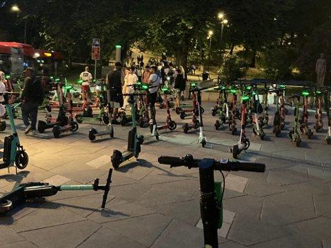 STRAMMER INN: Nå blir det forbud mot utleie av el-sparkesykler nattestid i Oslo.
