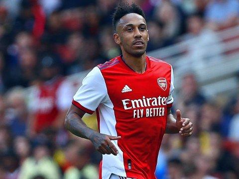 FÅR KRITIKK: Rollen Arsenal-kaptein Pierre-Emerick Aubameyang brukes oftest i av trener Mikel Arteta er problematisk, ifølge enkelte eksperter.