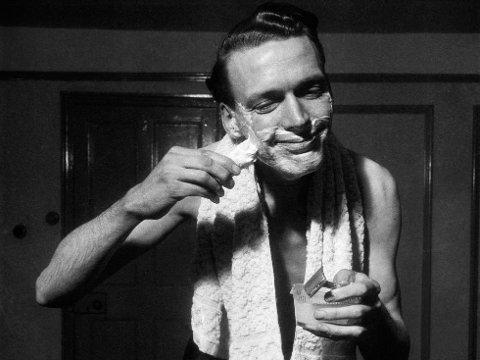 Husker du da man barberte seg med barberhøvel i stål før i tiden? Nå har denne typen barbering trendy igjen. Her finner du den beste, gamle barberhøvelen.