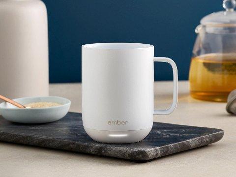 Enkelt og tidløst design gjør at kaffekoppen kan stå på kontorpulten eller benken hjemme - og den er fin å se på.