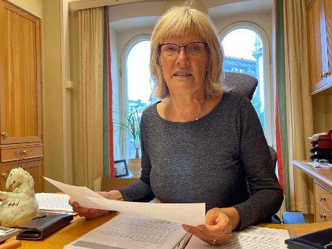 RYDDER UT: Den profilerte SV-politikeren Karin Andersen (68) har sittet på Stortinget i 24 år, men nå er det slutt. På vei ut døra gir hun klare råd til den kommende regjeringen.